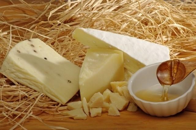 »Un repas sans fromage est une belle fille à qui il manque un oeil.« (Vir fotografije: FreeDigitalPhotos.net)